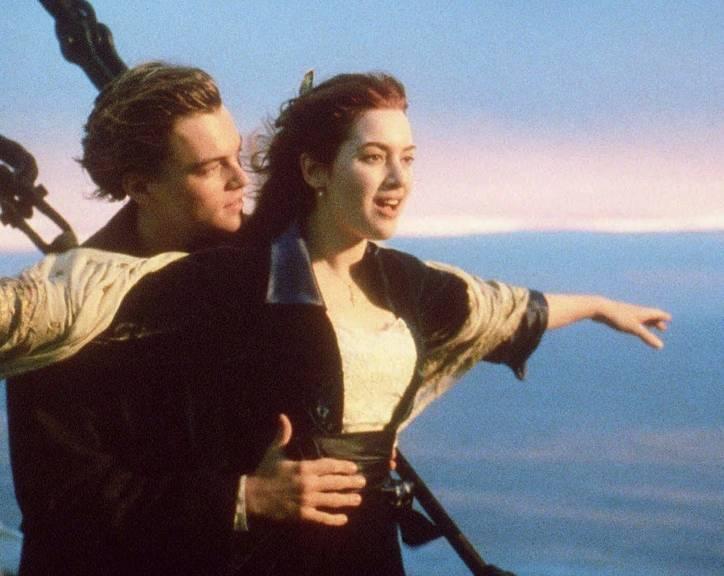 leonardo-dicaprio-e-kate-winslet-em-cena-do-filme-titanic